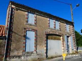 Maison Mortagne-sur-Gironde (17120)