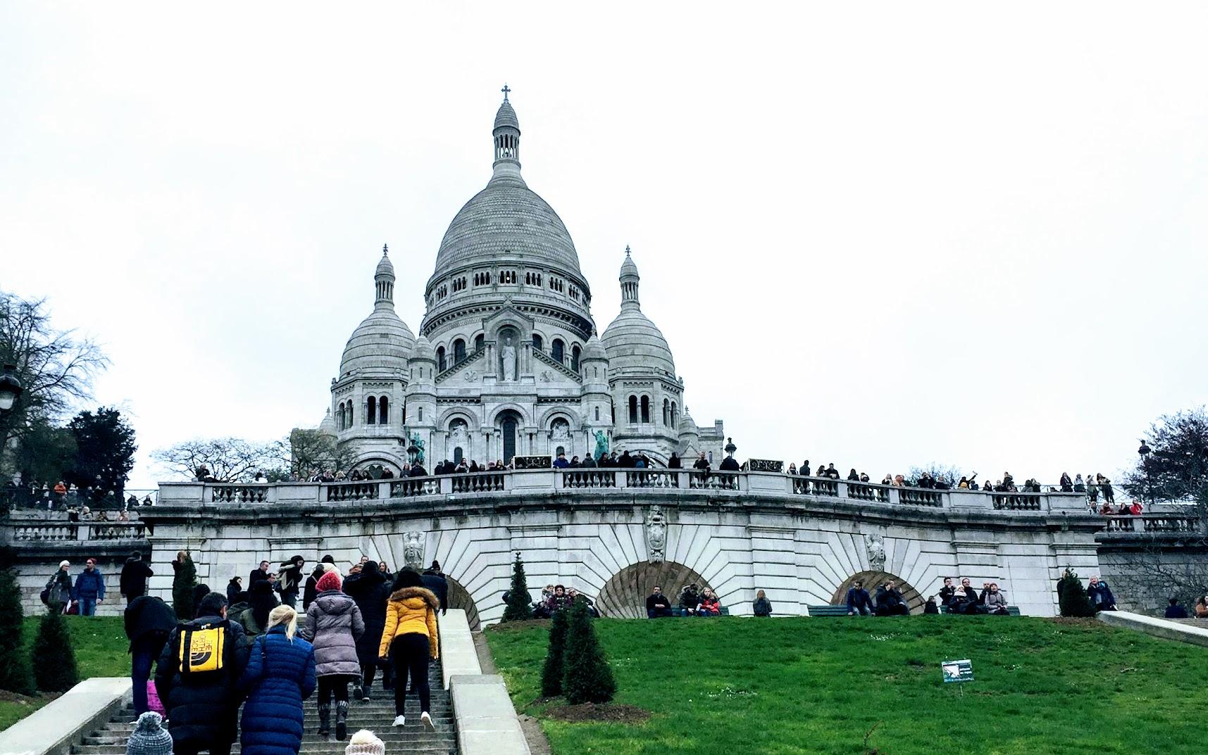 パリ観光一日コースサクレクール寺院