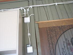 Photo: Rozvody 6Vdc a nahoře 12Vdc v boudě.