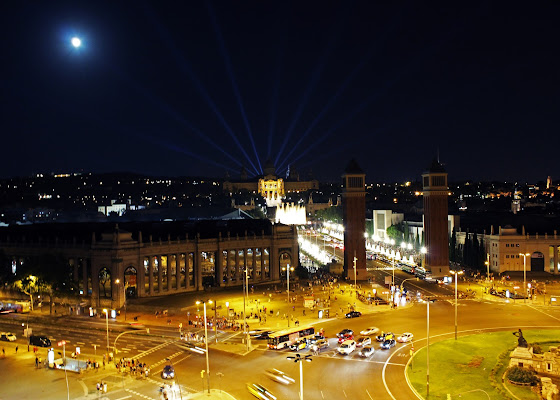 The lights of Barcelona city di ambibedo