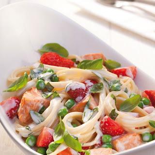 Spaghetti mit Lachs-Erdbeer-Soße