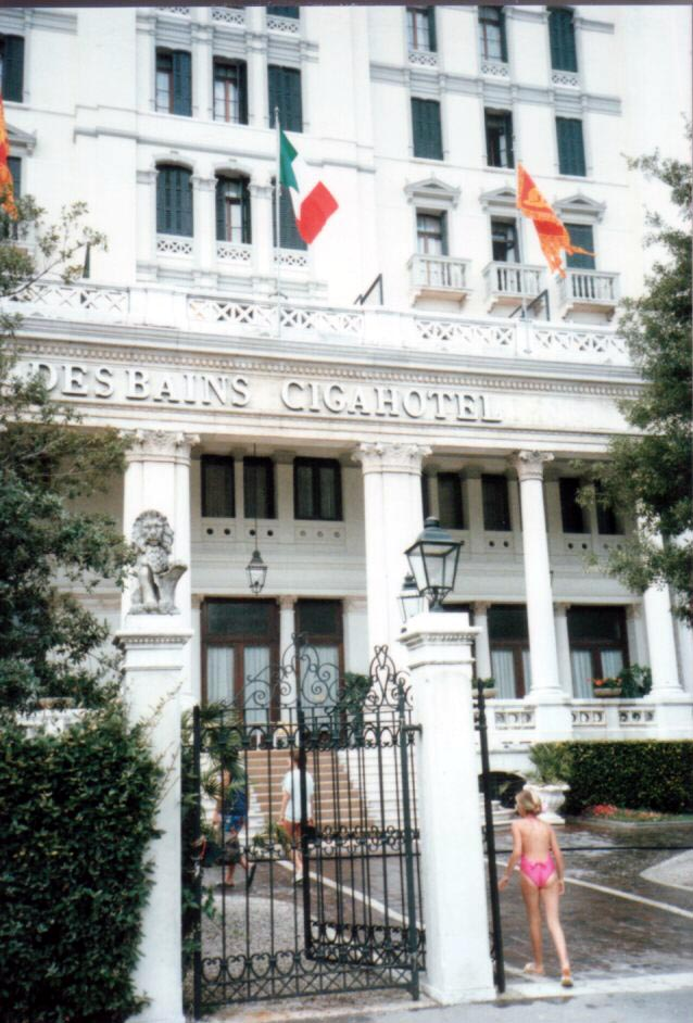 Photo: リド島 Hotel Des Bains (1986年)  『イングリッシュ・ペイシェント』 http://goo.gl/EOU5zI 『ベニスに死す』 http://inagara.octsky.net/benisuni-sisu