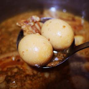 【最強グルメ】ラーメン二郎目黒店のスープで煮卵を作ると激しくウマイ / 涙目になりながら足ガクガクさせるほど美味