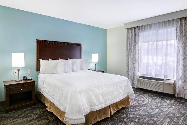 Hampton Inn & Suites Saint John