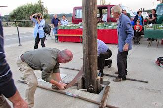 Photo: Bilder rund um den Maibaum - so, wenn alle Prominenten es probiert haben..