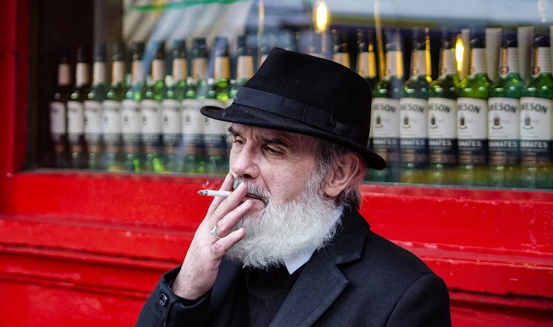 L'uomo che fuma di taxinano