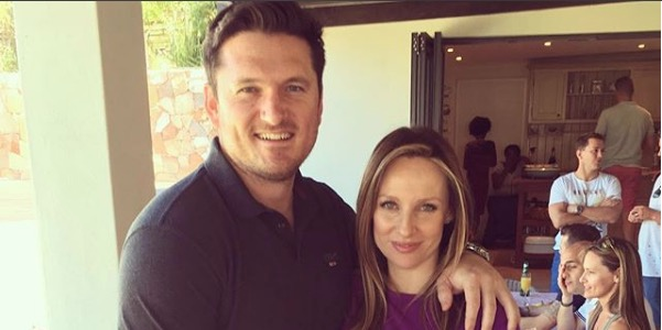 Graeme Smith and Romy are set to tied the knot.