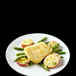 Pan-Seared Cod Recipe with Asparagus & New Potatoes with Truvía® Natural Sweetener Recipe