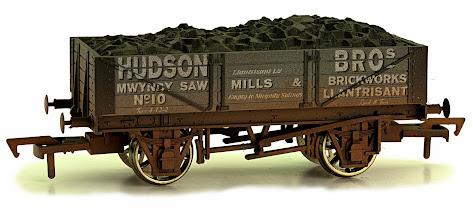 Photo: 4F-040-014  4 Plank Wagon