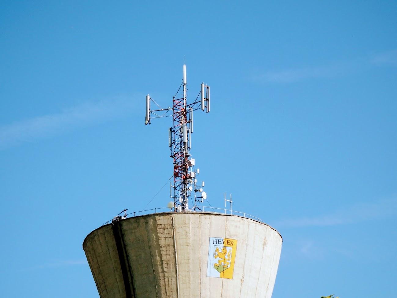 Heves/víztorony - helyi URH-FM adóállomás
