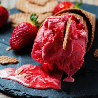 Creamy Raspberry Ice Cream