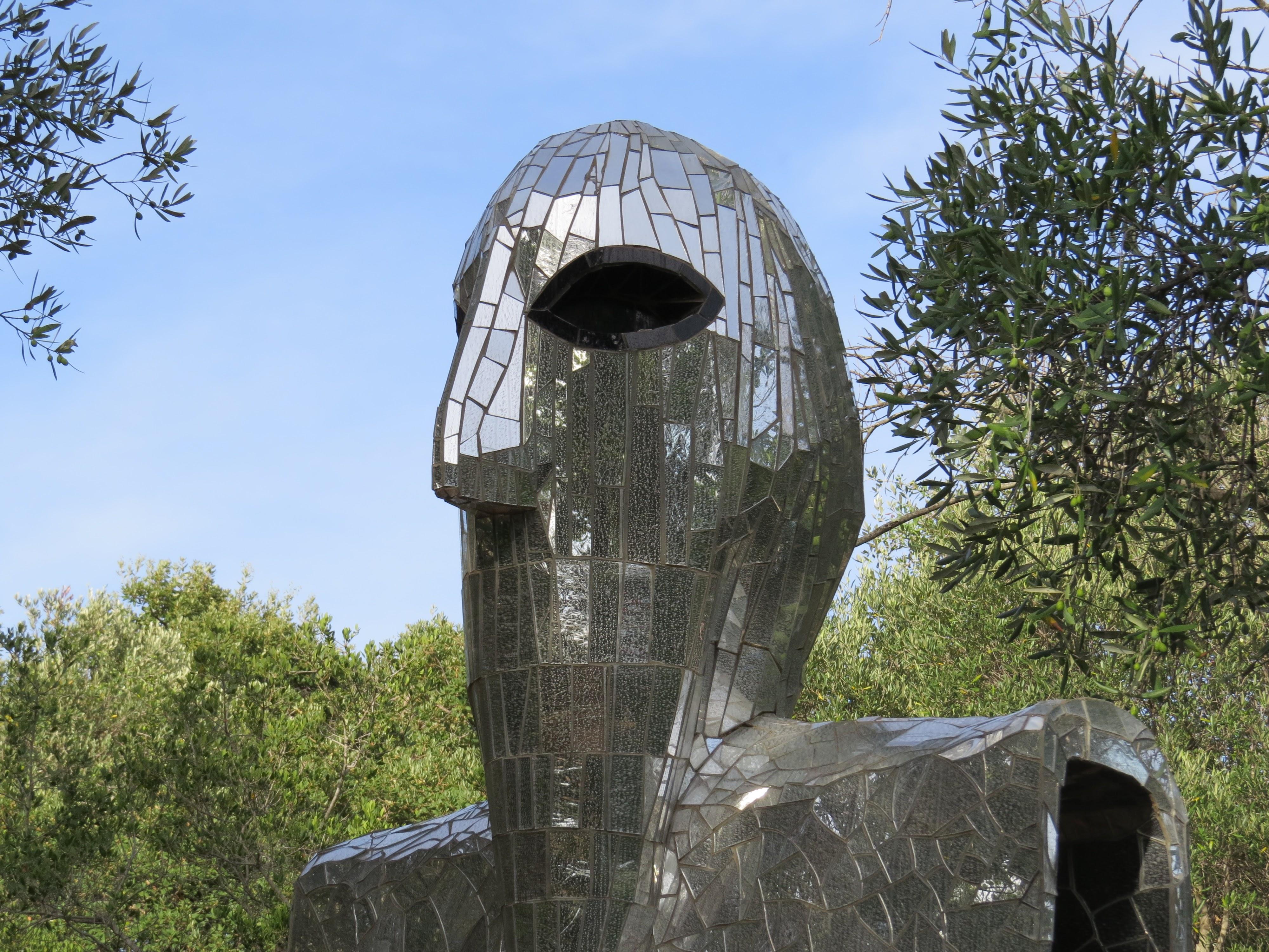 Niki de Saint Phalle, L'Eremita (particolare), Giardino dei Tarocchi, Capalbio