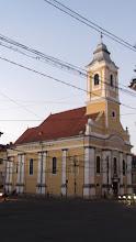 """Photo: Colt cu Bulevardul 21 Decembrie 1989, nr.1 - Biserica Evanghelică-Luterană Sinodo-Prezbiteriană...  - construit în 1829, după planurile arhitectului George Winkler.  In stil baroc si neoclasic. Pe fațadă apare inscripția """"PIETATI"""" (fiți pioși, pocăiți-vă) http://ro.wikipedia.org/wiki/Biserica_Evanghelic%C4%83_din_Cluj"""