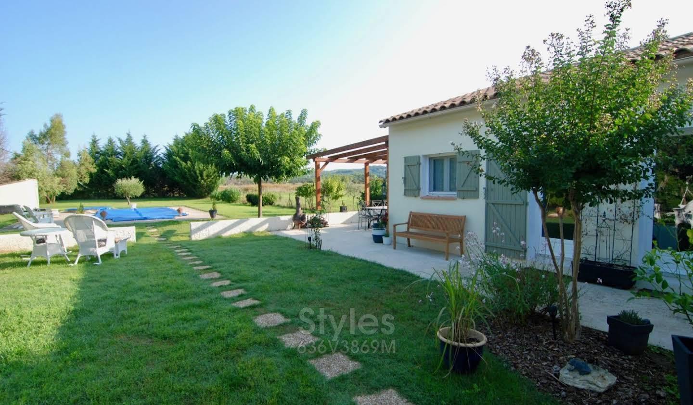 Villa with pool Uzès