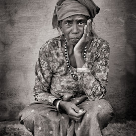 by Jos Meubis - Black & White Portraits & People
