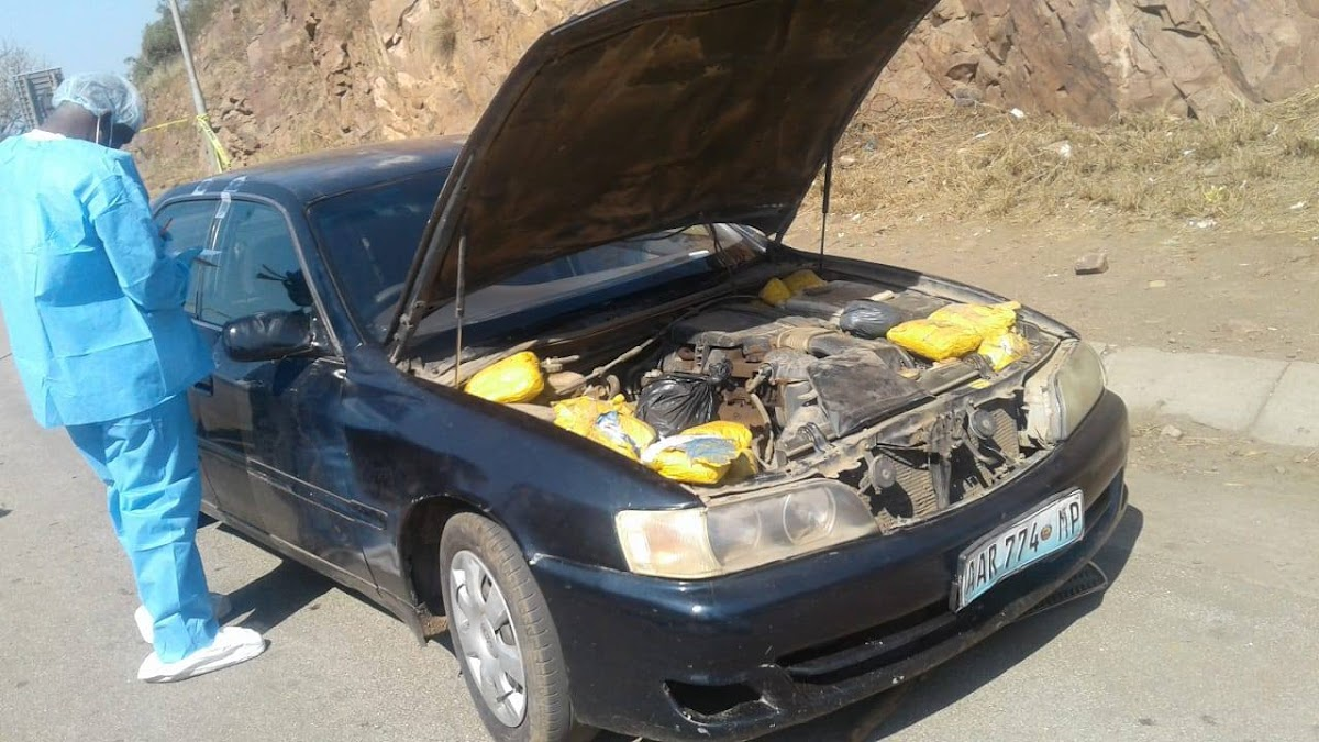 Whats Under Your Car Bonnet Sir Try R33 Million Worth Of Drugs