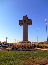 Photo: The Memorial Cross at the Bladensburg Crossroads. Note: It commemorates the First World War, not the Battle of Bladensburg...