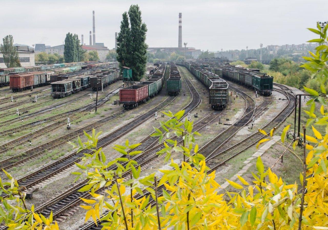 Железнодорожные пути в Донецке / Фото: Томаш Фьорро