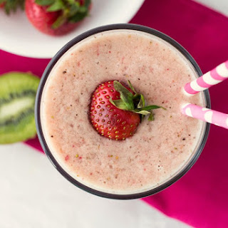 Strawberry Kiwi Smoothie.