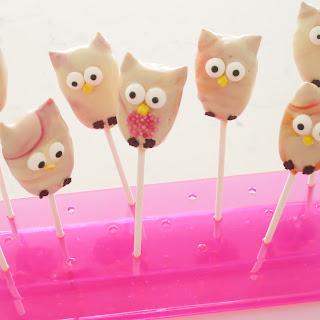 Marbled Owl Cake Pops