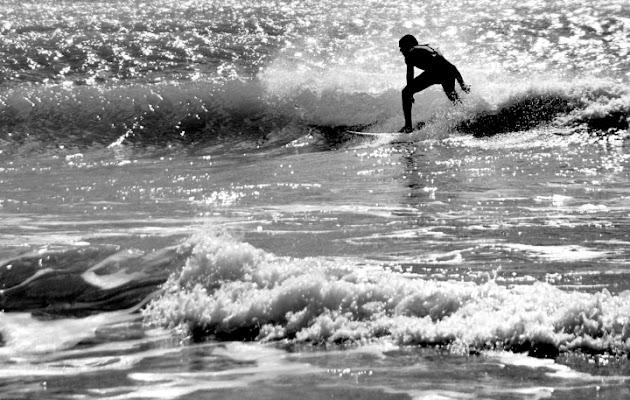 Tra le onde... di Salvatore Gulino