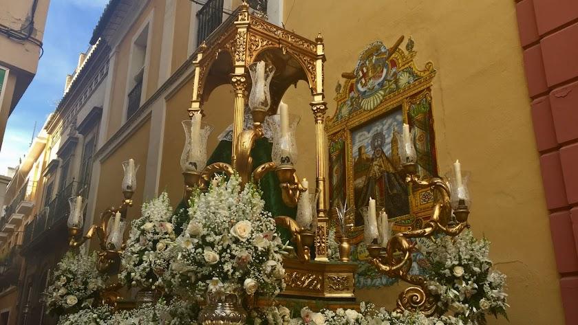 La Virgen del Mar, titular de la Hermandad Filial de la Hermandad de Sevilla, fundada en el año 1956, tras su salida procesional desde su sede canóni