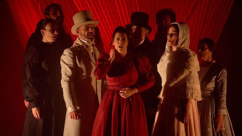 Escena de la puesta en escena de 'Mariana Pineda', que pudo verse este puente en Roquetas.