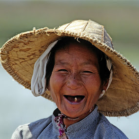 one tothed woman by Nils Sjöström - People Portraits of Women ( tooth, travel, working, smile, burma, women tooth, hat, shirt,  )
