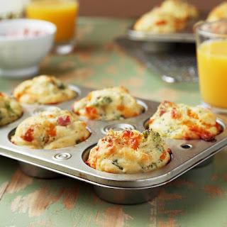 Broccoli, Ham & Cheddar Breakfast Muffins