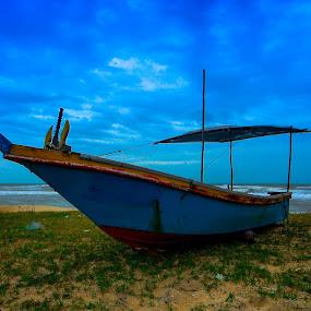 losing touch by Faareast Mk - Transportation Boats ( rhu sepuluh, kelantan, boats, beach, pantai penarik )
