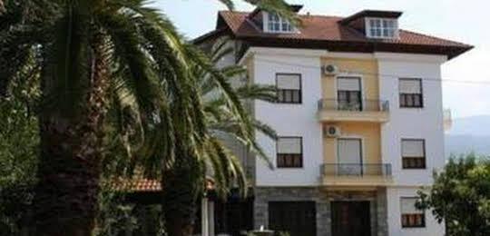 Vicky Hotel
