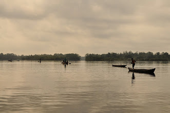 Photo: oyster fishing