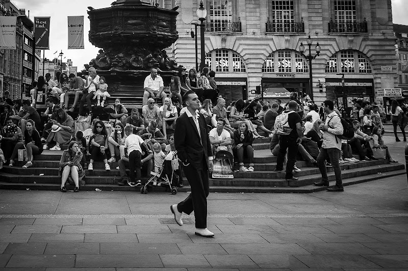 Dandy man in London di Xperia Tuscany