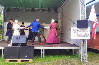 Photo: Firlitanz auf der Bühne im Wallgebäude