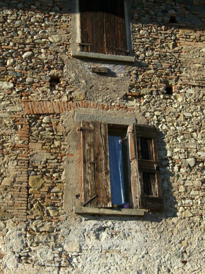 Una finestra...in cascina di rrouge