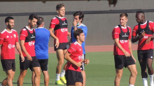 El Almería respira mejor antes del entrenamiento