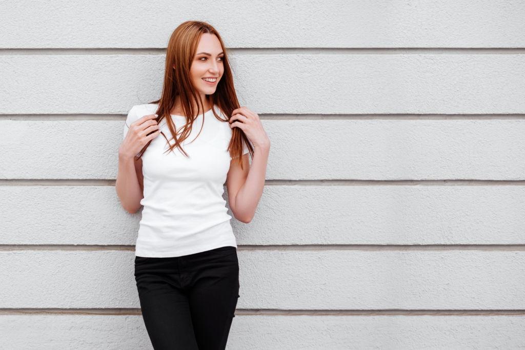 women wearing white tshirt