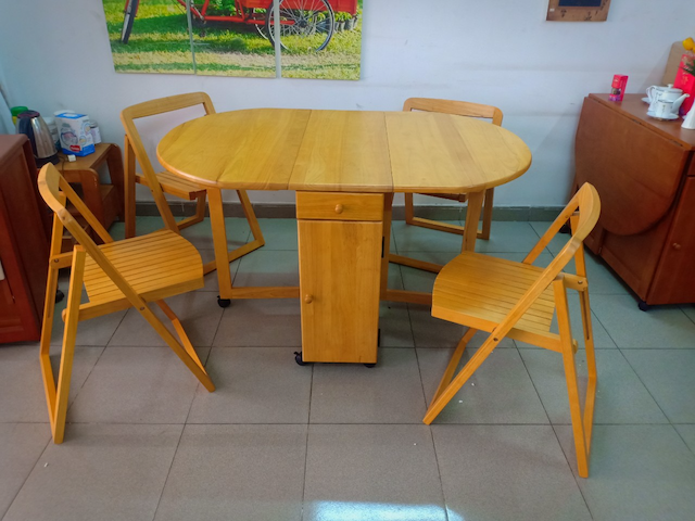 Tại sao nên mua bàn ăn xếp gọn tại nội thất thông minh mạnh tùng?