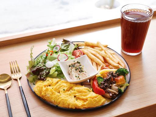 清爽無負擔的蔬食早午餐 份量大 CP值高 還有歐姆蛋、帕里尼、義大利麵