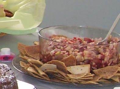 Yummy Fruit Salsa With Cinnamon Tortilla Chips