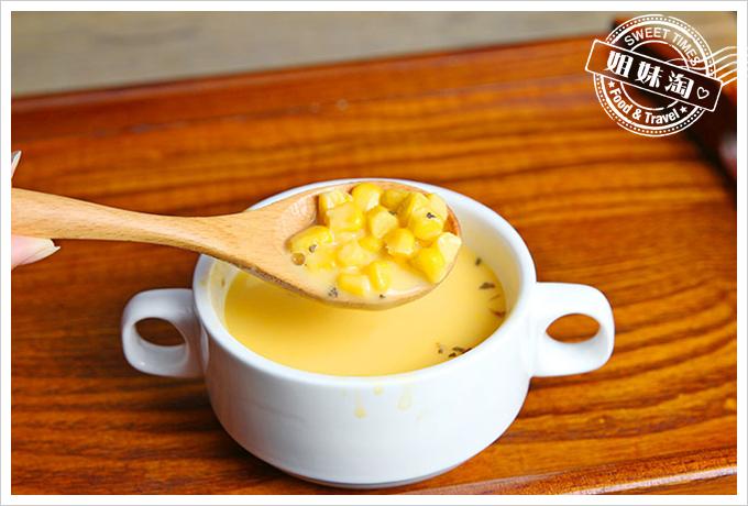 小琉球荷花軒玉米濃湯