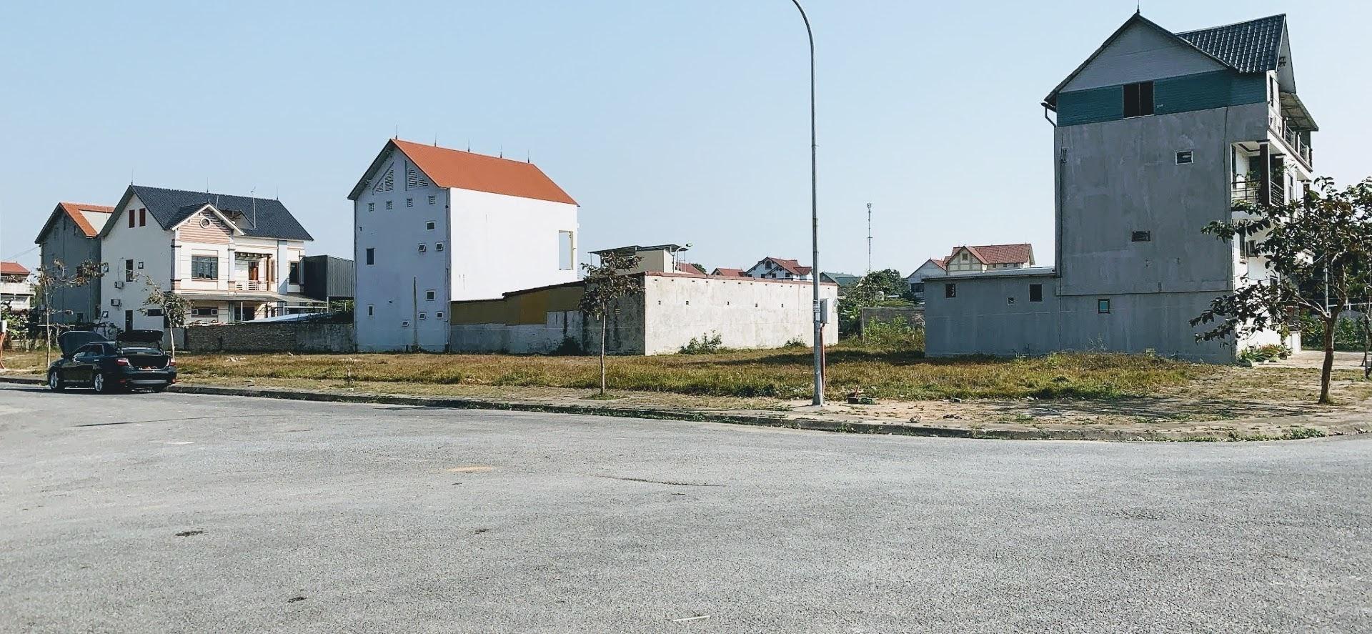 Bán lô đất khu dân cư cạnh đường vành đai 5 nút giao Yên Bình