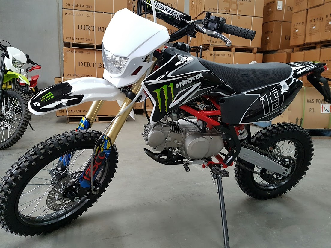 125cc BSE Big Wheel Manual Dirt Pit Bike with Lights Rec rego