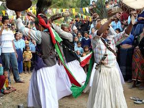 Photo: Uns zu Ehren gibt es einen traditionellen Tanz.