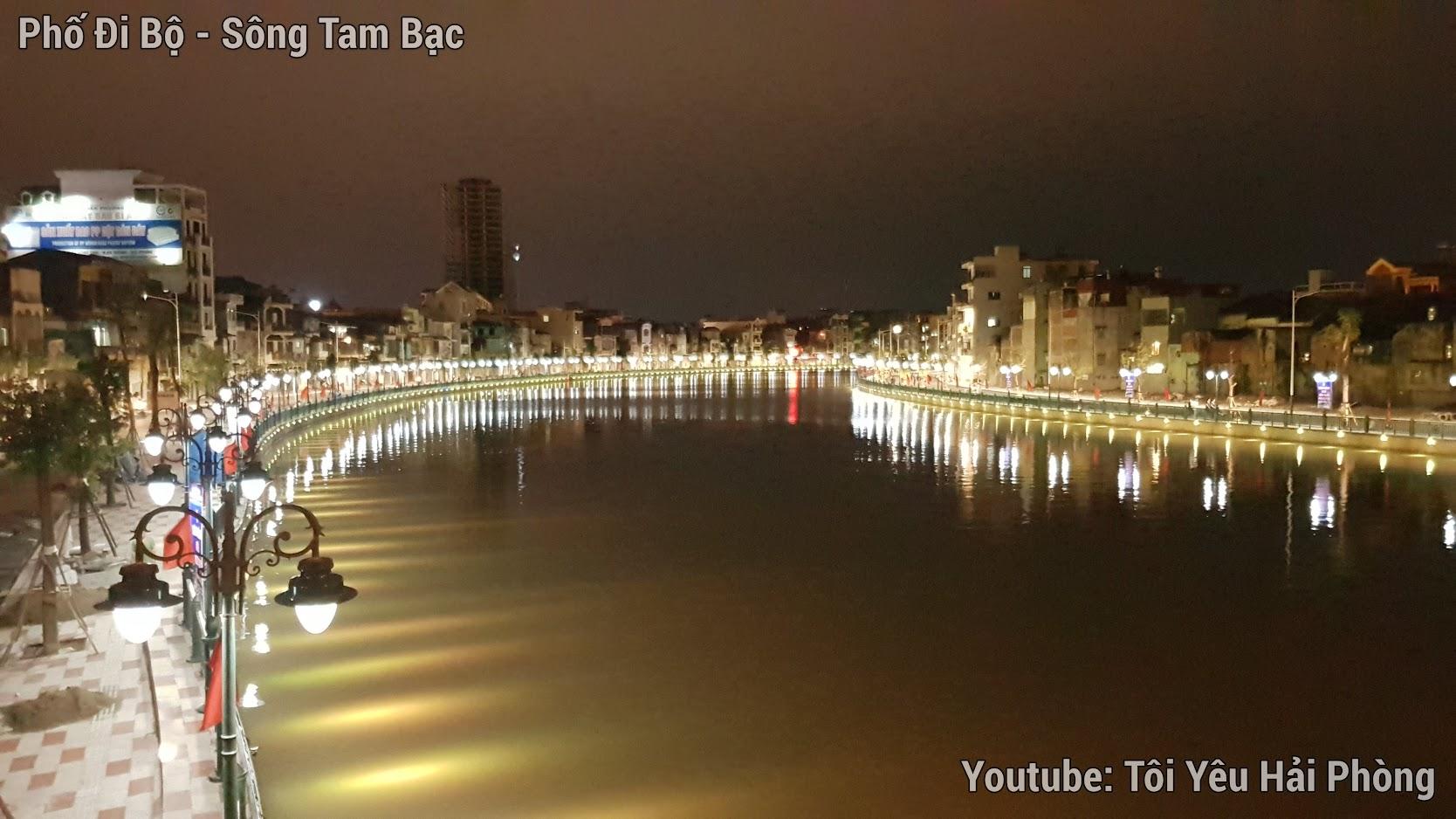 Buổi tối ở Phố Đi Bộ bên sông Tam Bạc ở Hải Phòng 8