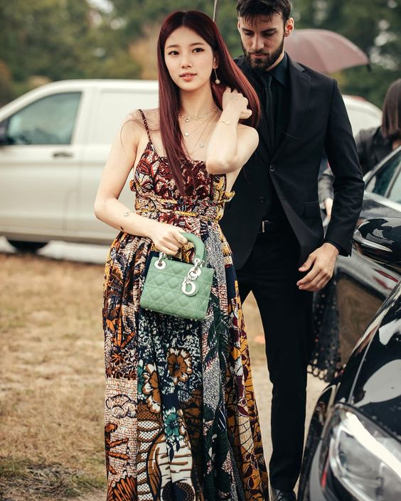 suzy gown 42