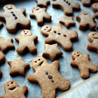 Vegan & Gluten Free Healthy Gingerbread Men Cookies.