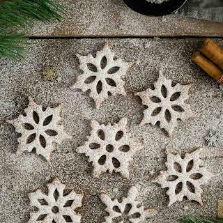 Cinnamon & Maple Snowflake Cookies.