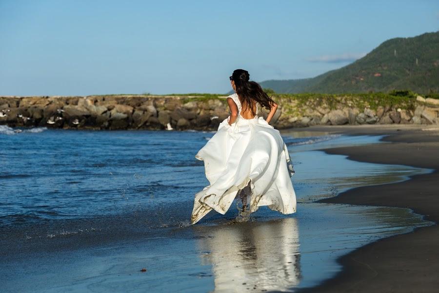 Wedding photographer Victor Rodriguez urosa (victormanuel22). Photo of 20.02.2019
