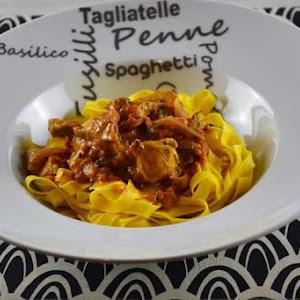 Tagliatelle-Vadouvan Chicken Wok